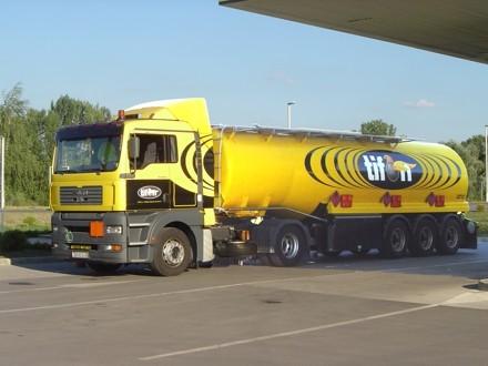 Tifon cisterna za prijevoz goriva