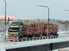 Uspješno testirani tegljači za prijevoz drva s dodatnim prikolicama