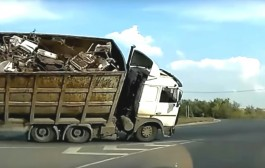 Kompilacija kamionskih nezgoda 2017.