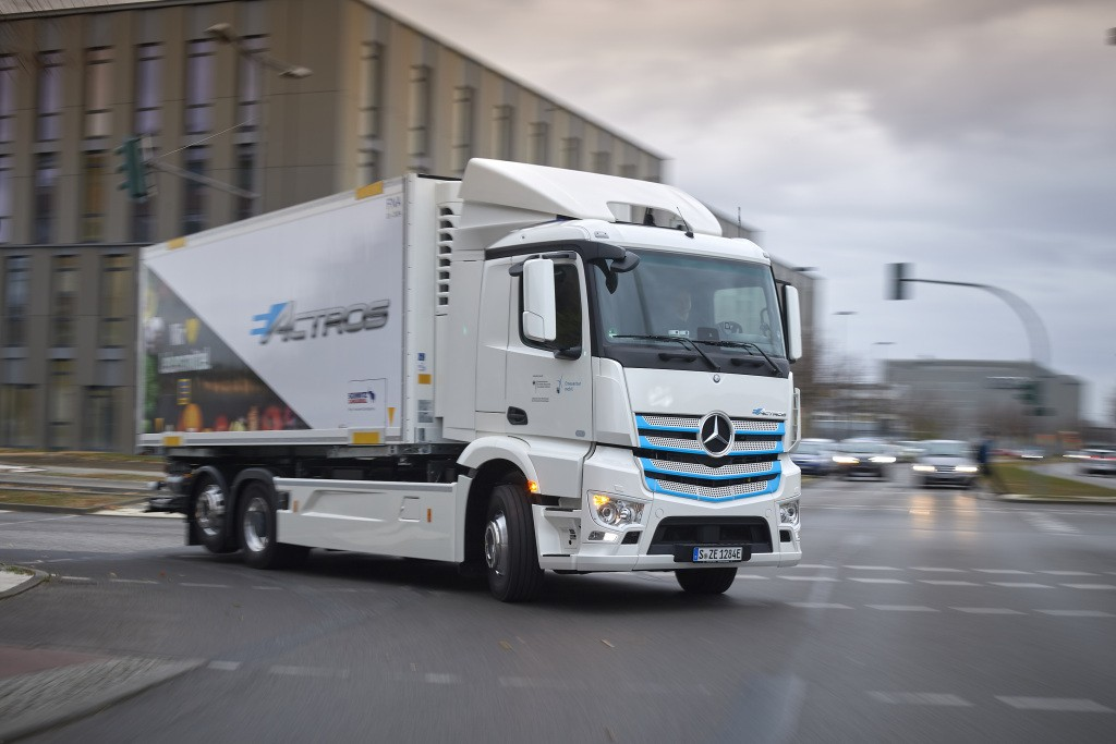 mercedes-Benz eActros na radnom testiranju trgovačkog lanca EDEKA