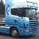 lijep kamion dekoriran tehnikom airbrush